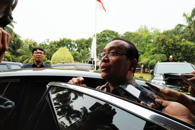 Menteri Sekretaris Negara Pratikno di Kantor Kemenko-Polhukam, Jl Medan Merdeka Barat, Jakarta Pusat, Jumat (29/11/2019).
