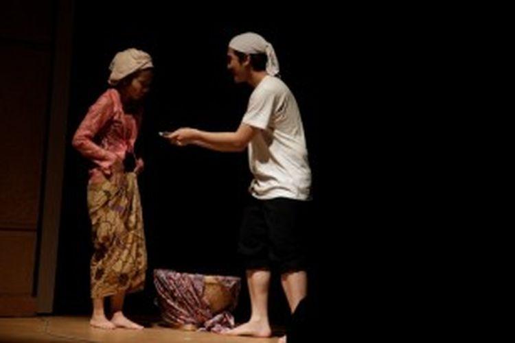 Pementasan kolosal Malin Kundang menutup rangkaian acara Indonesia Week 2013: Indonesia for Everyone di Millenium Hall, Ritsumeikan Asia Pacific University (APU), Jumat (28/6/2013) malam tadi.