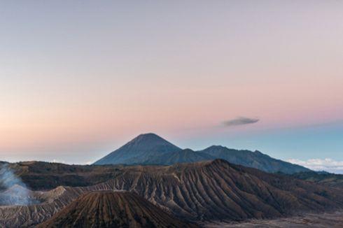 Gunung Semeru Erupsi, Jalur Pendakian Masih Ditutup