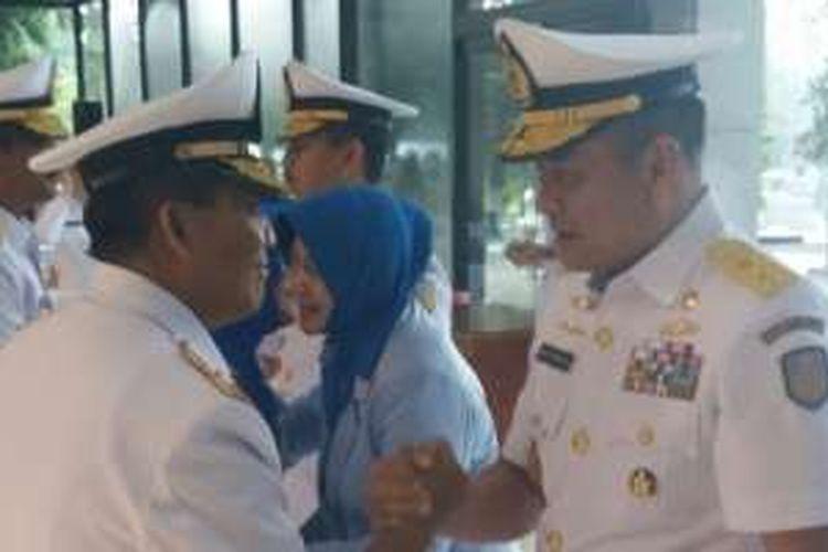 Laksamana Muda TNI Arie Henrycus Sembiring resmi menjabat sebagai Wakil Kepala Staf Angkatan Laut (Wakasal) menggantikan Laksamana Madya TNI Widodo, Jumat, (12/2/2016).