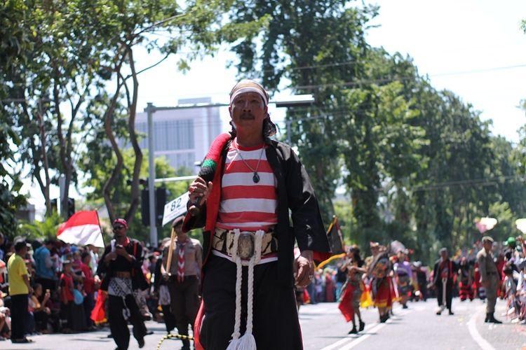 Orang madura dalam parade budaya DOK. Shutterstock/Joko Utomo