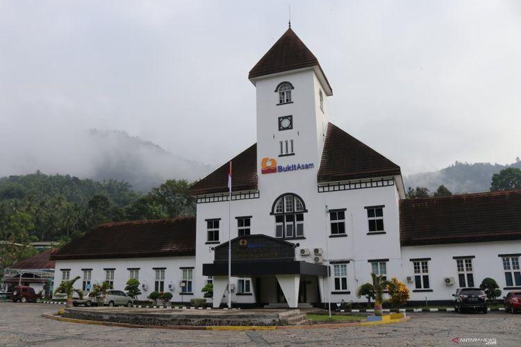 Kantor PT Bukit Asam di Kota Sawahlunto