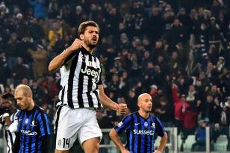 Striker Juventus, Fernando Llorente, seusai mencetak gol ke gawang Atalanta pada laga lanjutan Serie-A di Juventus Stadium, Jumat (20/2/2015).