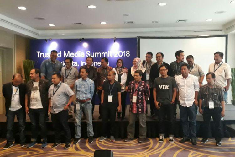 Sebanyak 22 media elektronik atau media online di Indonesia menandatangani Memorandum of Understanding (MoU) CekFakta.com, sebuah aliansi pengecekan fakta kolaborasi Aliansi Media Siber Indonesia (AMSI) dan Masyarakat Antifitnah Indonesia (Mafindo), Sabtu (5/5/2018).