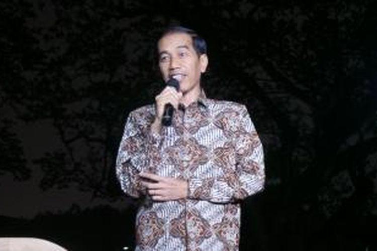 Presiden Joko Widodo menyampaikan pernyataan pers kepada wartawan di istana kepresidenan, Rabu (14/1/2015) malam terkait polemik pencalonan Komjen Budi Gunawan sebagai Kapolri.