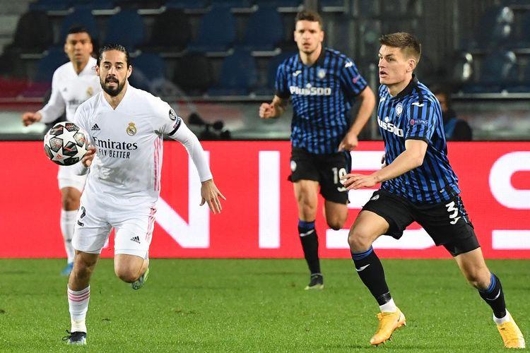 Gelandang Real Madrid, Isco, beraksi pada laga leg pertama babak 16 besar Liga Champions kontra Atalanta di Stadion Atleti Azzurri d'Italia di Bergamo pada Kamis (25/2/2021) dini hari WIB.