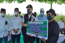 Bupati Kediri Serahkan Bantuan Subsidi Bibit Tebu dari PTPN ke Petani