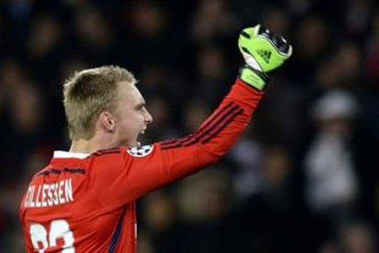 Penjaga gawang Ajax Amsterdam, Jasper Cillessen.