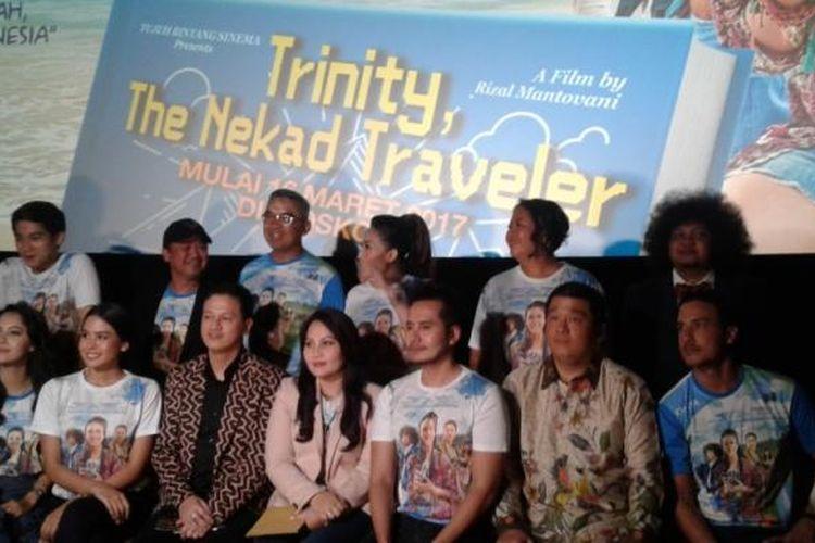 Gala premier film Trinity, The Nekad Traveler di XXI Plaza Senayan, Jakarta Pusat, Kamis (9/3/2017).