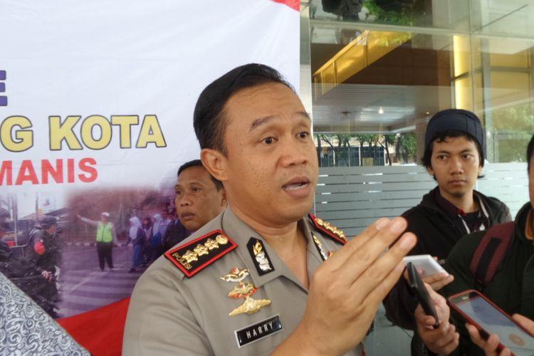 Kapolres Metro Tangerang Komisaris Besar Harry Kurniawan menjelaskan kasus tabrak lari angkot terhadap driver GrabBike di Mapolres Metro Tangerang, Jumat (10/3/2017).