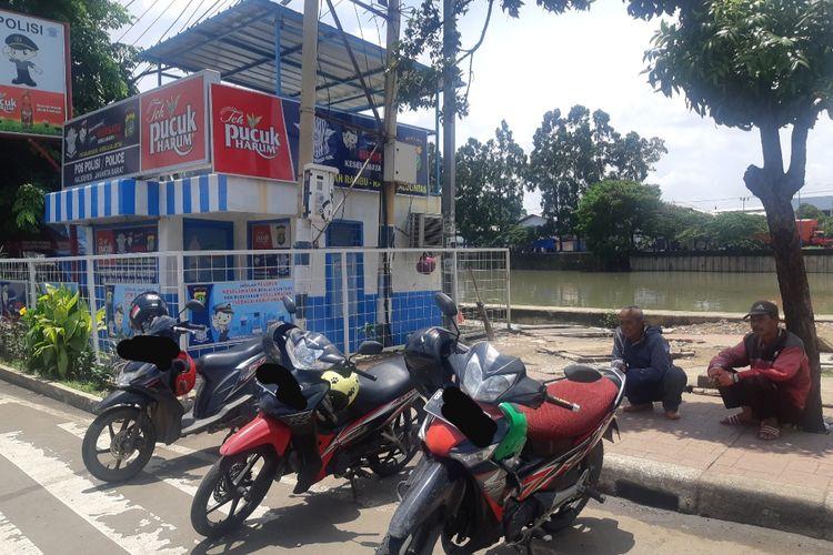 Ojek pangkalan di Terminal Kalideres, Jakarta Barat, Sabtu (22/2/2020)