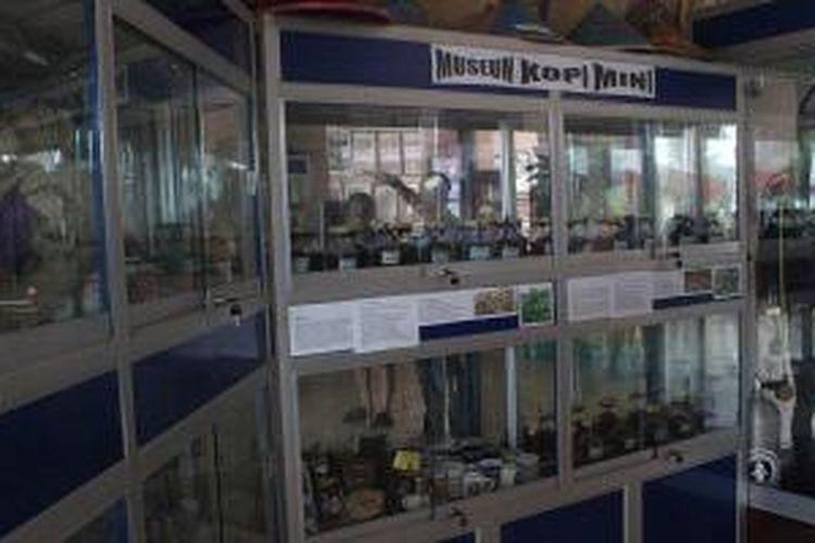 Museum Kopi Mini menyambut pengunjung yang datang ke Kantor Disbudpar Belitung Timur, di Manggar, Provinsi Kepulauan Bangka Belitung.