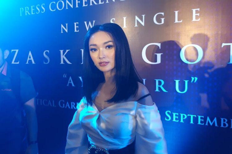 Penyanyi dangdut Zaskia Gotik ditemui di peluncuran single terbarunya berjudul Ayo Turu saat ditemui di kawasan Gatot Subroto, Jakarta Selatan, Kamis (12/9/2019).