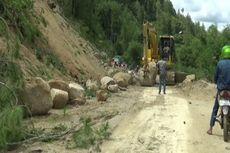 Tebing Setinggi 150 Meter Longsor, Batu Sebesar Truk Tutup Jalan