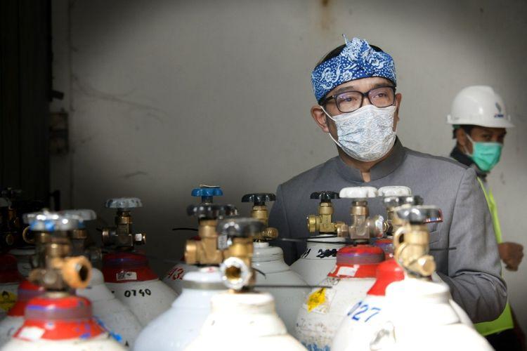 Gubernur Jabar Ridwan Kamil saat melakukan koordinasi terkait manajemen distribusi oksigen di Kantor PT Migas Hulu Jabar, Kota Bandung, Kamis (8/7/2021).