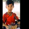 Kisah Viral Tuch Salik, Bocah Pedagang Asongan yang Kuasai 16 Bahasa