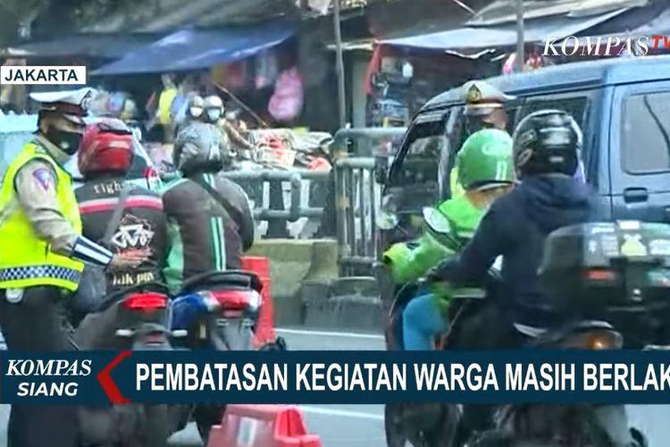 Pembatasan kegiatan masyarakat masih berlaku. Operasi penyekatan PPKM level 4 di Underpass Basura Cipinang Jakata Timur pun berlangsung sejak pagi tadi (28/7/2021).