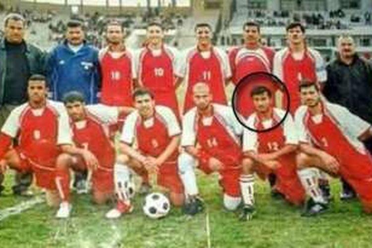 Grup sepak bola Suriah, Al-Shabab. Salah satu korban yang dieksekusi ISIS tampak dalam foto yang ditandai dengan lingkaran.