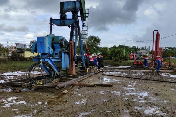 Penanganan sumur minyak di Tarakan milik Pertamina EP Tarakan Field yang semburkan lumpur.