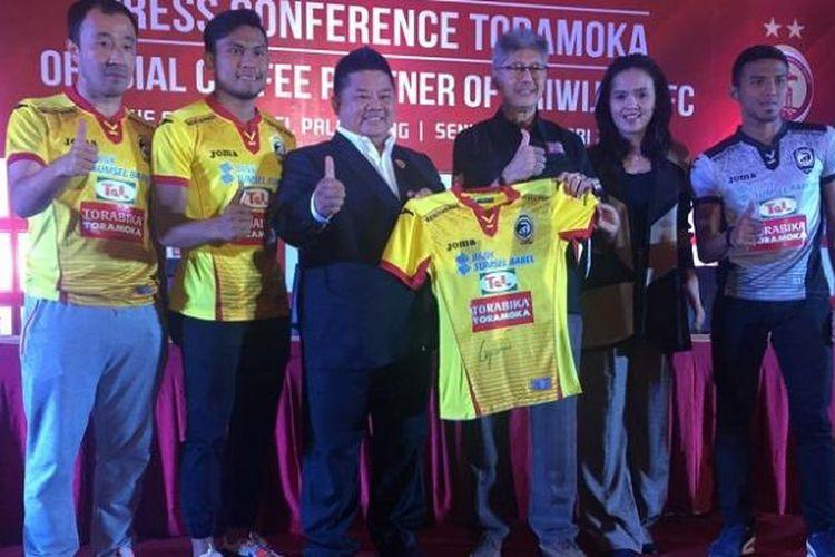 Acara penandatanganan kerja sama antara Torabika dan Sriwijaya FC di Hotel Arista, Palembang, Senin (30/1/2017).