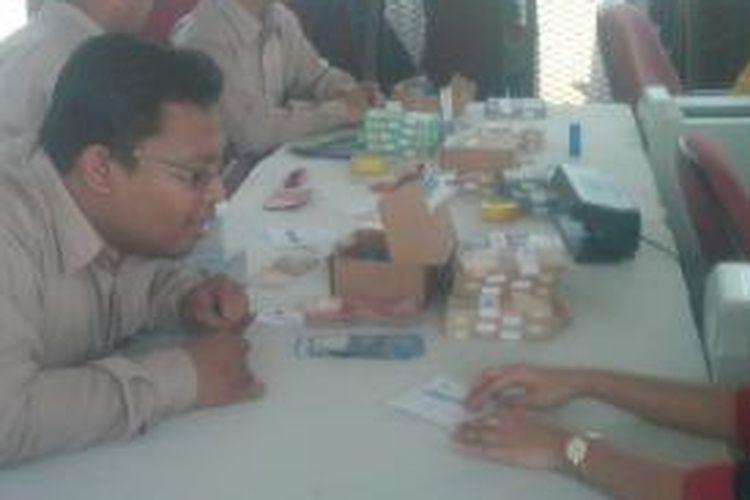 BI Jabar resmi membuka tempat penukaran uang terpadu di Bandung, Kamis (11/7/2013).