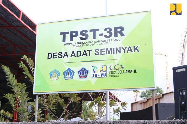 Tempat Pengolahan Sampah Terpadu (TPST) 3R (Reduce, Reuse, Recycle) di Seminyak, Kabupaten Badung.