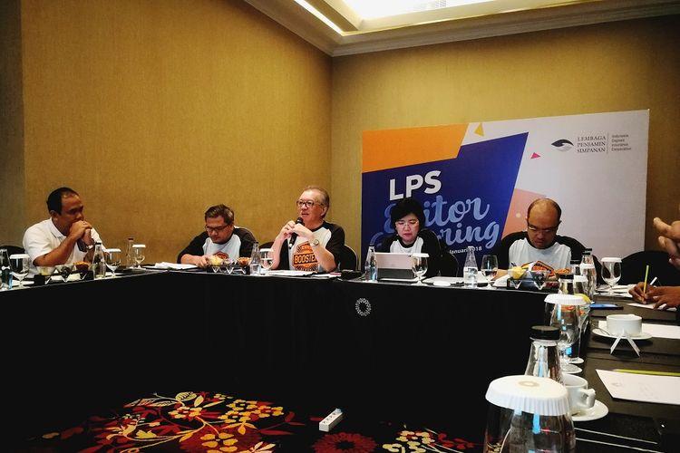 Dari kiri ke kanan di meja depan, Sekretaris LPS Samsu Adi Nugroho, Ketua Dewan Komisioner LPS Halim Alamsyah, Anggota Dewan Komisioner LPS Destry Damayanti, dan Direktur Group Surveilans dan SSK LPS Moch. DoddyAriefianto, Sabtu (27/1/2018).