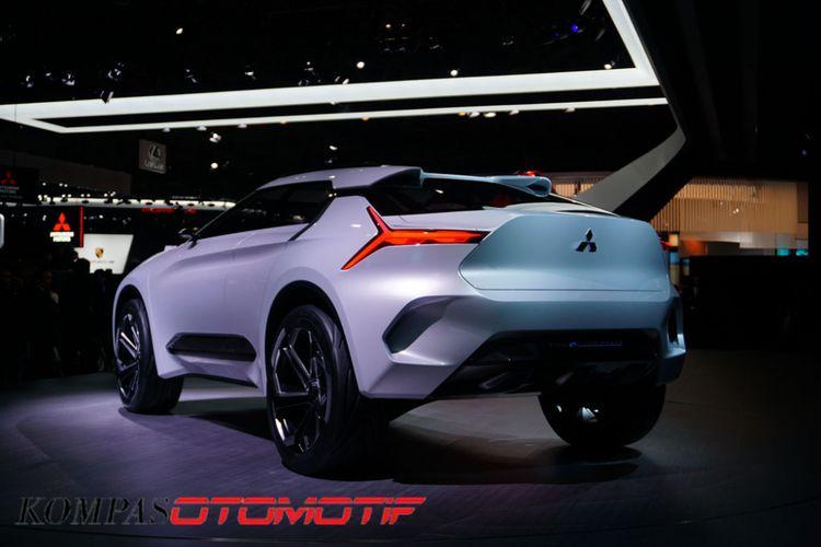 Mitsubishi e-Evolution Concept diperkenalkan Mitsubishi pada ajang Tokyo Motor Show 2017, Rabu (25/10/2017). Kendaraan ini menjadi visi desain dan teknologi masa depan Mitsubishi yang menerjemahkan tagline terbarunya, Drive Your Ambition.