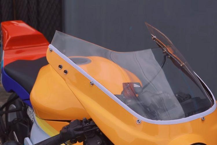 Motor custom Kawasaki Ninja ZX-6R bergaya motor balap jadul garapan Katros Garage dan RC Motogarage
