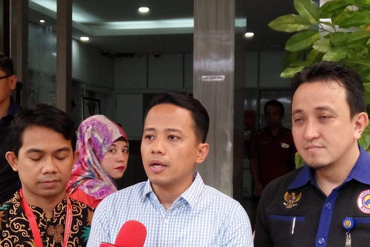 Komika Muhadkly alias Acho saat di Mapolda Metro Jaya, Senin (7/8/2017).