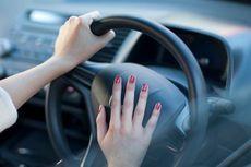 Bunyikan Klakson Bisa Atasi Mobil Mogok di Perlintasan KA