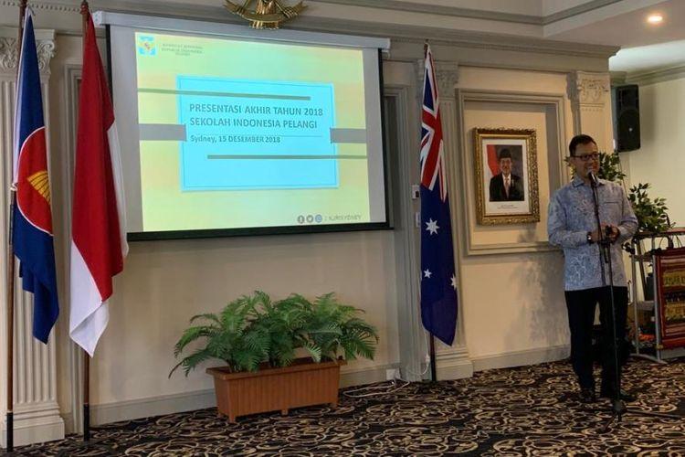 Konsul Jenderal Subolo saat memberikan sambutan dalam kegiatan Presentasi Akhir Tahun 2018 Sekolah Pelangi Indonesia, bertempat di KJRI Sydney, Sabtu (15/12/18).