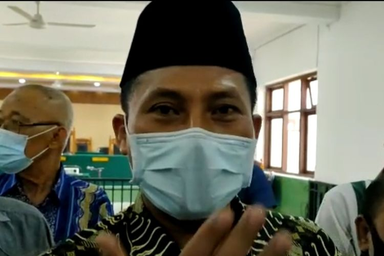Wakil Ketua DPRD Kota Tegal Wasmad Edi Susilo saat hadir di Pengadilan Negeri Tegal, Selasa (22/12/2020)