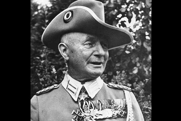 Jenderal Jerman di Afrika saat Perang Dunia I, Paul von Lettow-Vorbeck.