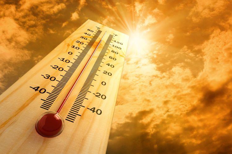 Ilustrasi cuaca panas, heat stroke