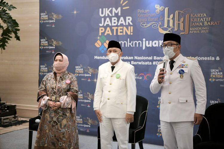Gubernur Jawa Barat Ridwan Kamil dan Menteri KUKM Teten Masduki dalam acara Gerakan Nasional Bangga Buatan Indonesia (BBI), Sabtu (3/4/2021).