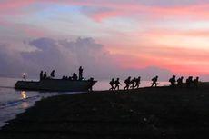 Marinir Gelar Latihan Pendaratan Amfibi di Pantai Banongan Situbondo