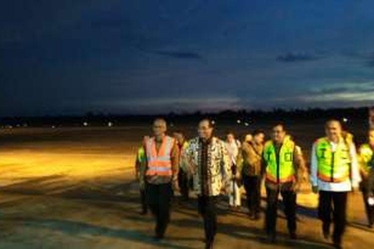 Peninjauan Menteri Perhubungan Budi Karya Sumadi di Bandara Supadio Pontianak, Kalimantan Barat, Jumat (2/9/2016).