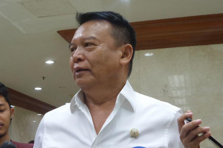 Tubagus Hasanuddin di Kompleks Parlemen, Senayan, Jakarta, Senin (23/10/2017).