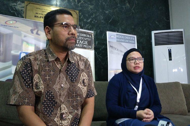Komisioner Komnas HAM Amiruddin dan Kepala Rumah Sakit Pelni Dewi Fankhuningdyah saat konferensi pers terkait kondisi Faisal Amir di RS Pelni, Jakarta Pusat, Rabu (25/9/2019).