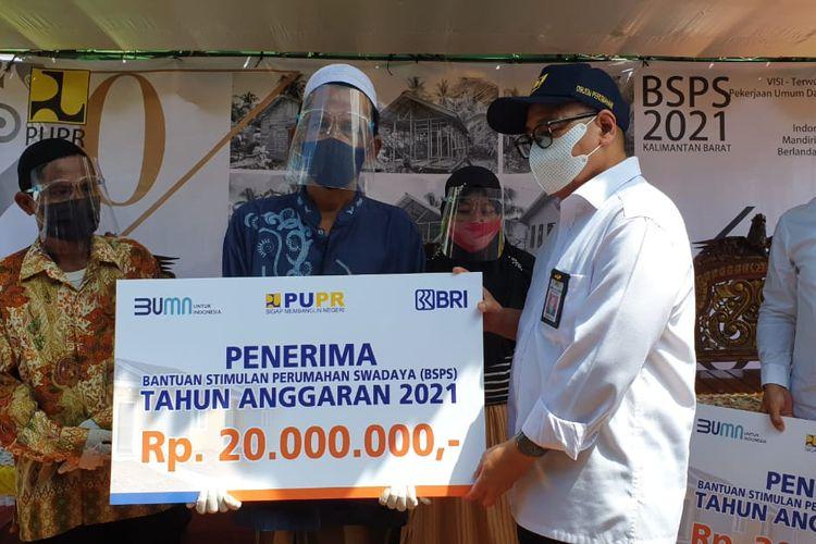 Penerima bantuan Program Bantuan Stimulus Perumahan Swadaya (BSPS).