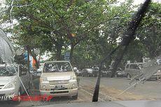 Alasan Utama Mobil Harus Gunakan Cairan Khusus Wiper