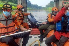 Tim SAR Gabungan Cari Bocah Tenggelam yang Diduga Terseret Arus Kanal Banjir Timur