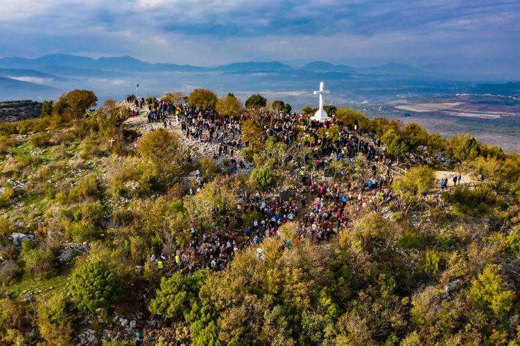 Bukit dengan salib di Medjugorje, Bosnia dan Herzegovina