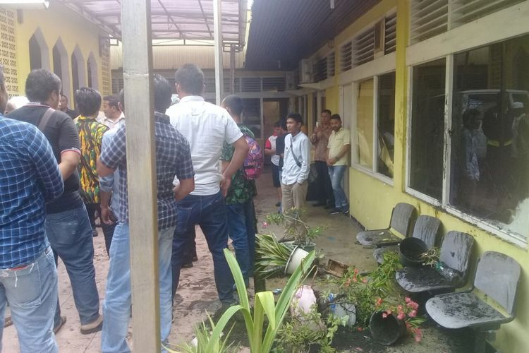 Suasana Kantor DPD Golkar Sumbar usai keributan.