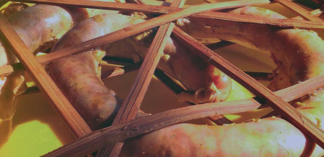 ilustrasi urutan, sosis babi khas bali