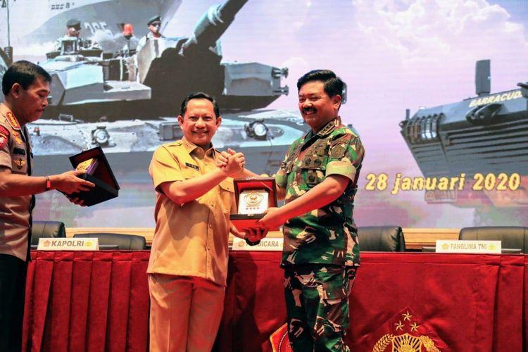 Menteri Dalam Negeri Tito Karnavian saat menghadiri Rapim TNI-Polri Tahun 2020 di Mabes TNI, Cilangkap, Jakarta, Selasa (28/1/2020). TNI