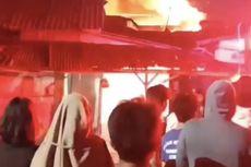 Rumah Terbakar di Gandaria Subuh Tadi, Warga Berbondong Padamkan Api