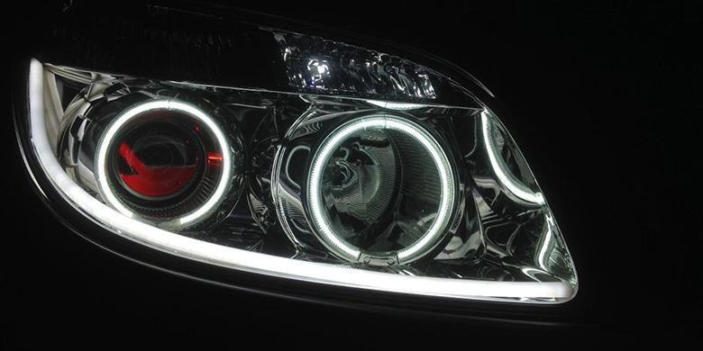 Ilustrasi modifikasi lampu depan atau headlamp kendaraan