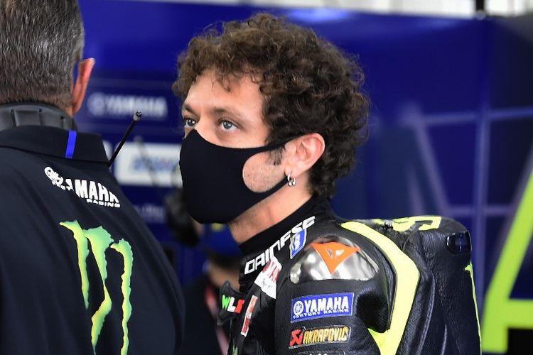 Valentino Rossi saat berlaga di MotoGP Eropa. (Photo by JOSE JORDAN / AFP)